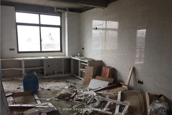 领了钥匙装修新房工程过半 被告知装错房子了