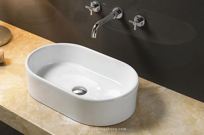 挑选洗手盆
