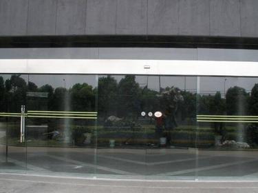 自动玻璃门怎么安装 自动玻璃门安装步骤
