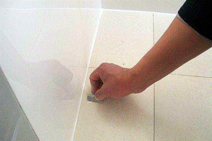 玻璃胶怎么去除 瓷砖玻璃胶怎么去除