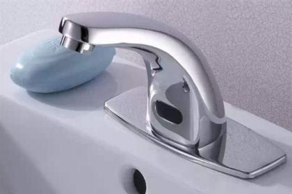 感应水龙头怎么用 感应水龙头节水原理