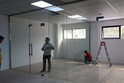 无框玻璃门如何安装 无框玻璃门安装方法