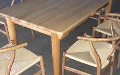 实木餐桌椅价格 实木餐桌椅如何选购