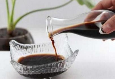 如何使用食醋清洁你家的房子!