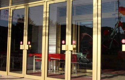 玻璃门维修方法 玻璃门保养常识