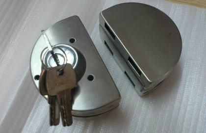 玻璃门锁种类介绍 玻璃门锁安装注意事项