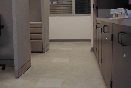 石塑防滑地砖怎么样 石塑防滑地砖特点