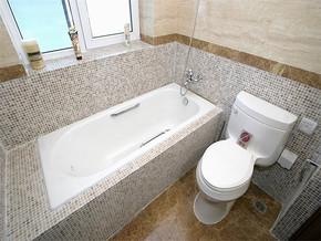 日式小卫生间设计效果图