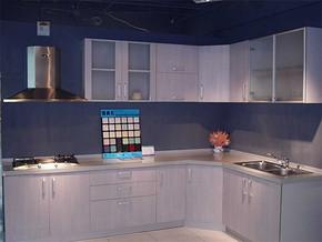 日式厨房壁柜装修效果图