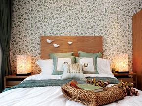 独特中式风格一居室卧室装修图片