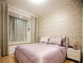 精致华丽壁纸华丽卧室装修案例
