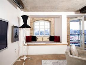 混搭客厅时尚飘窗小复式装修