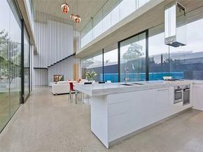 现代别墅厨房装修图片