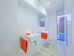 现代别墅卫生间装修图片