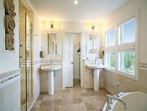 简约浴室隔断装修效果图