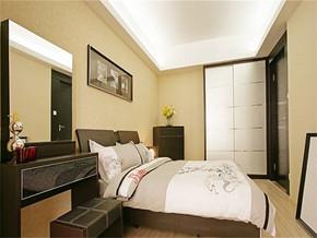 现代15平方婚房卧室装修图