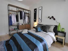 现代风格卧室衣柜装修图片