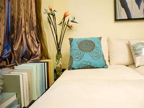 现代风格卧室装修图片