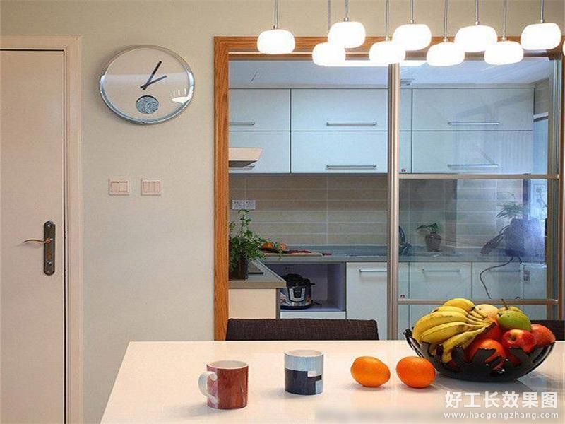 现代风格厨房装修图