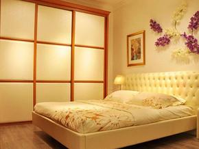 日式风格卧室壁柜装修效果图