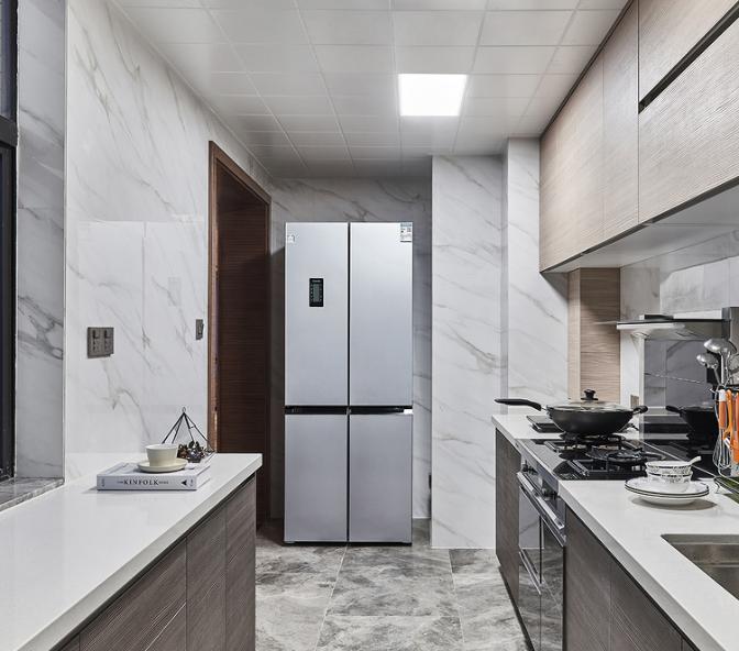 明亮实用厨房橱柜装修效果图