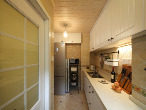 长条厨房装修设计效果图