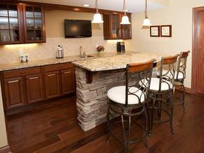 欧式风格厨房吧台装修效果图