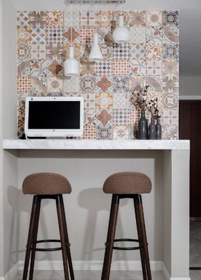 现代小三居家庭吧台装修效果图