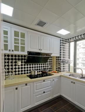 欧式风格二居白色橱柜实木橱柜装修效果图