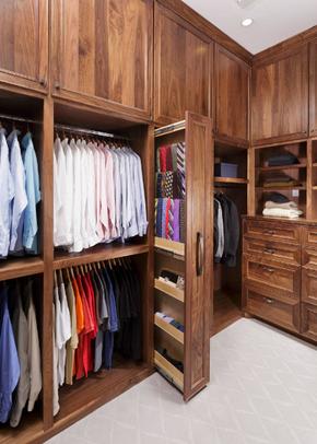 美式风格全实木定制衣柜装修效果图