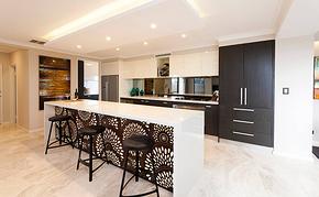 现代风格开放式厨房大吧台装修效果图