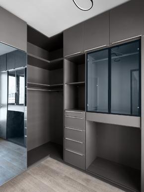 现代时尚灰色衣帽间卧室衣柜装修效果图