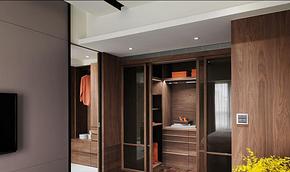 现代风格实木衣帽间衣柜装修效果图